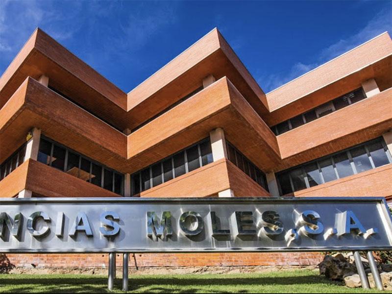 Industria española de fragancias se instaló en Zona Franca Colonia